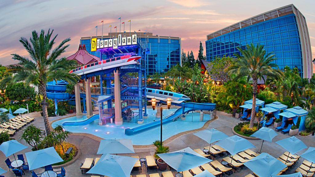 disneyland-resort-hotel-1